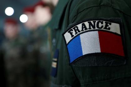 Франция отправит танки и сотни солдат к российской границе