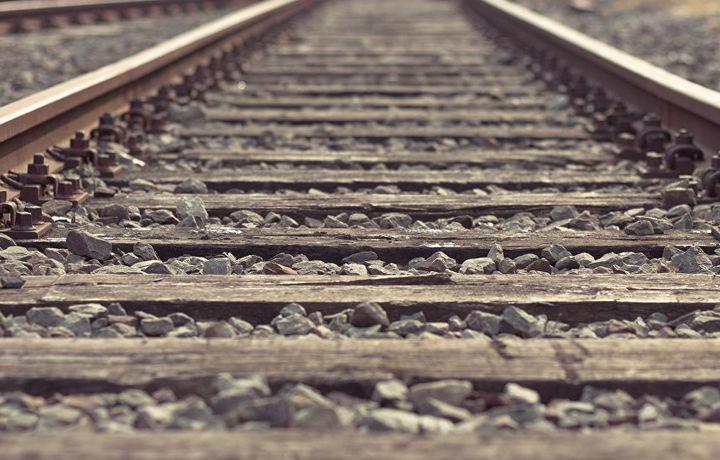 Поезд сошел с рельсов в Казахстане – погиб подросток