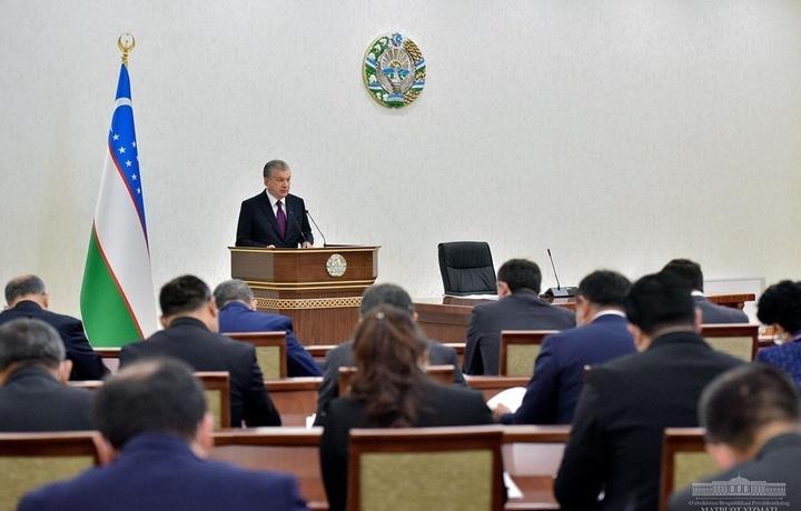 Prezident videoselektor yig'ilishida muhim masalalarga to'xtaldi