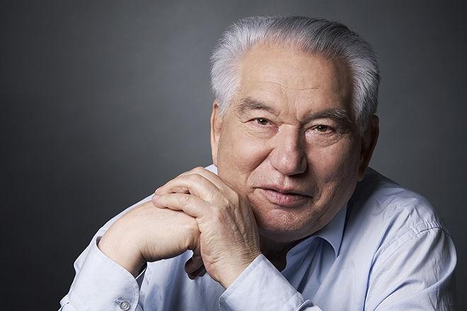 Toshkentning markaziy ko'chalaridan biriga Chingiz Aytmatov nomi berildi