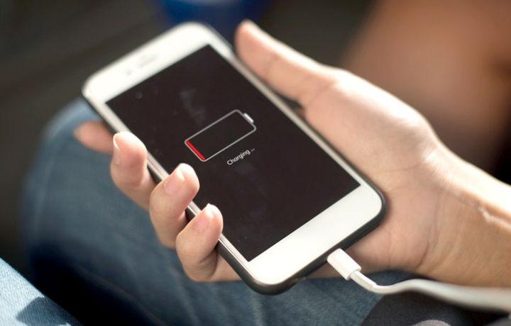 Последнее обновление iOS сажает батарею iPhone