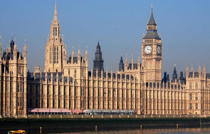 Британия отказалась комментировать саммит Путина и Трампа