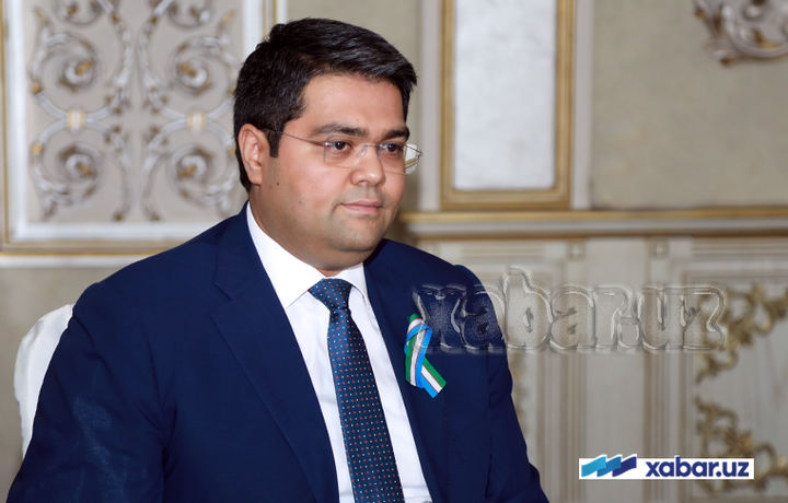 АКТ вазири «LG CNS» вице-президенти билан учрашди