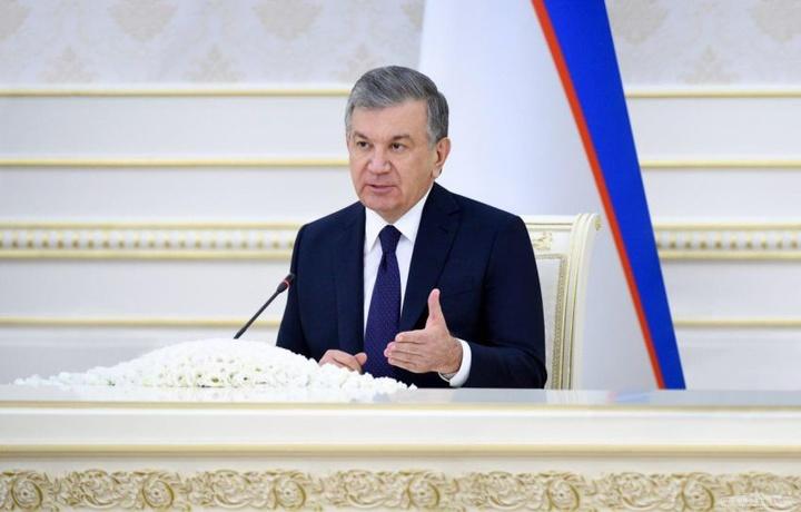 Шавкат Мирзиёев видеоселектор йиғилиши ўтказди