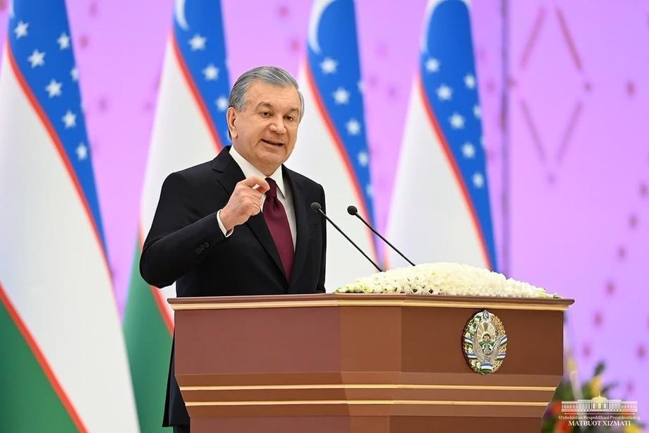 «Ham o'zingiz, ham o'zga bir inson hayotini xavf ostiga qo'ymang» — Prezident yosh yigit-qizlarga murojaat qildi (foto)