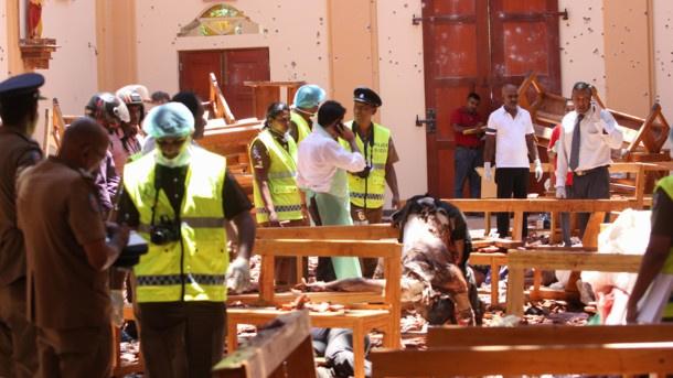 Число погибших при взрывах на Шри-Ланке достигло 300
