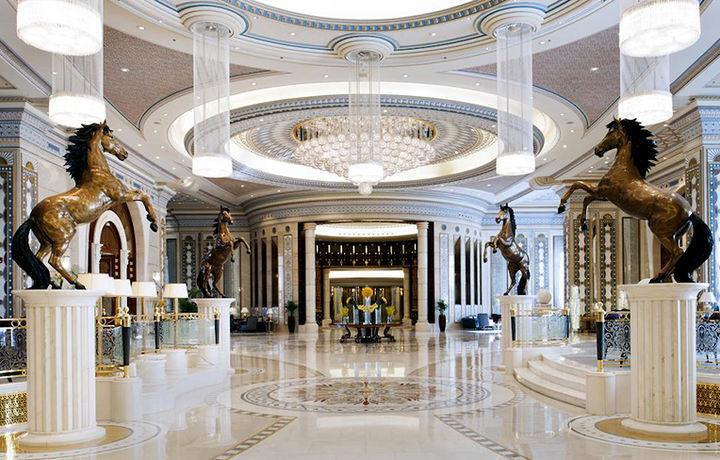 Ар-Риёддаги «The Ritz Carlton» меҳмонхонаси ўз эшикларини яна очмоқда