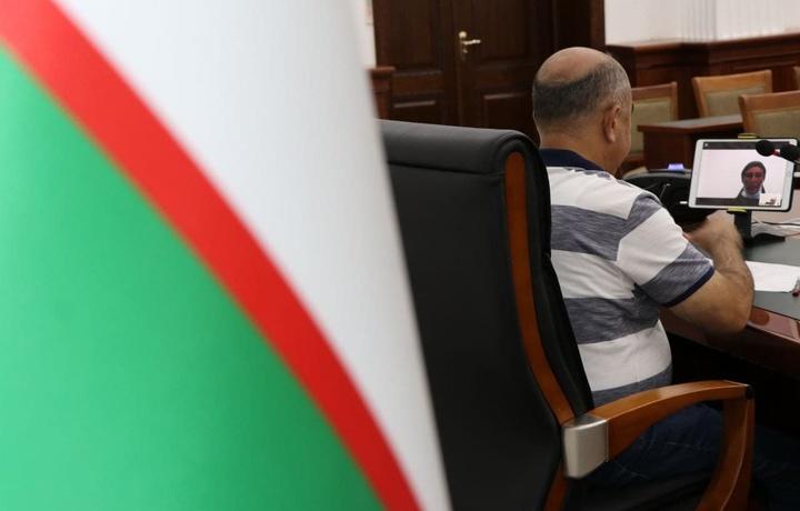 «Талончи ичимиздан чиқди». Зойир Мирзаев Mаҳалла бошқармасининг 2 нафар ходими сирини фош қилди
