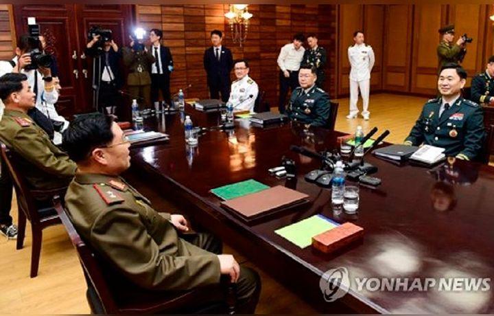 Сеул и Пхеньян проводят первые за 10 лет военные переговоры
