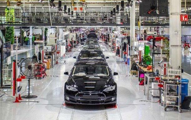 Илон Маск «Tesla» заводининг ички тузилишини кўрсатди (видео)