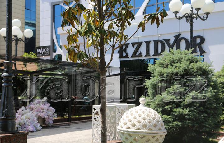 «Ezidyor»нинг эгасига «Versal», «Mumtoz»нинг эгасига эса «Саёҳат» ресторани берилади