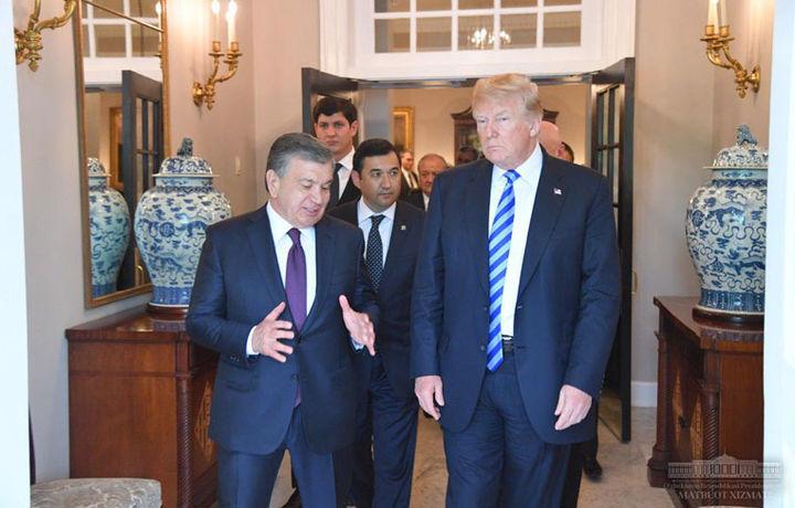 Дональд Трамп Шавкат Мирзиёевни кузатиб қўйди (фото)