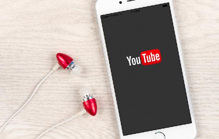 Как на iOS загружать музыку с YouTube