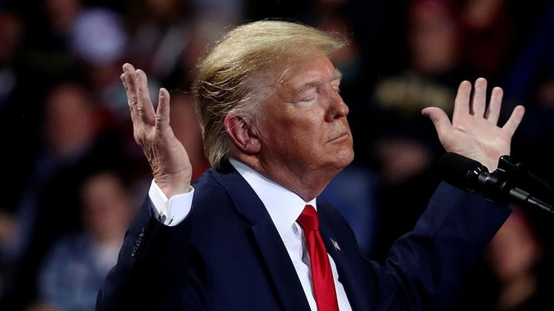 Саҳнадаги «томоша» ва кесилган чўнтаклар ёхуд жаноб Трамп нима қиляпти?