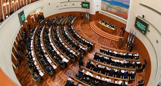 Parlamentda qonun loyihalarini ko'rib chiqish tartib-taomili o'zgardi