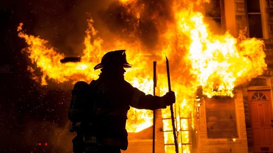 В кафе в Чиланзарском районе вспыхнул пожар, есть пострадавшие