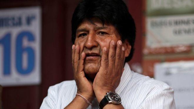 «Жудаям қўрқяпман»: Эво Моралес Боливияда фуқаролар уруши бошланиб кетишидан хавотирда