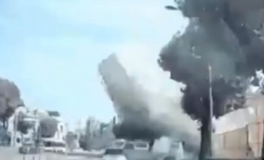 Жанубий Кореяда беш қаватли бино автобус устига қулаб тушди (видео)