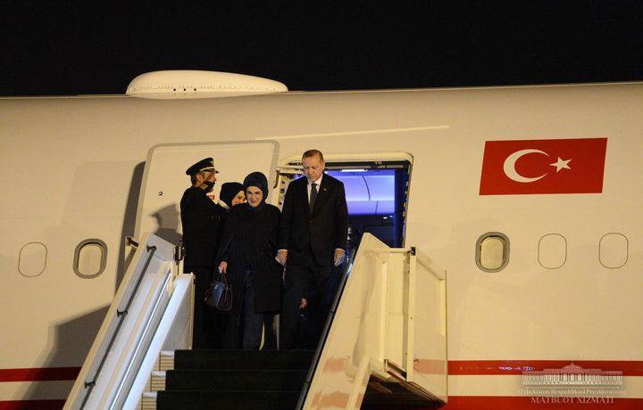 Туркия Президенти давлат ташрифи билан Тошкентга келди