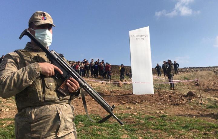 Kelib chiqishi noma'lum sirli monolit endi Turkiyada paydo bo'ldi