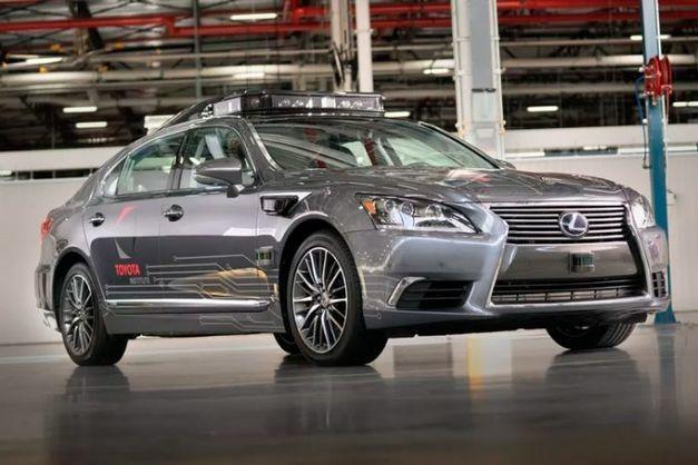 «Uber» билан содир бўлган авариядан сўнг, «Toyota» ўз автомобиллари синовини тўхтатди