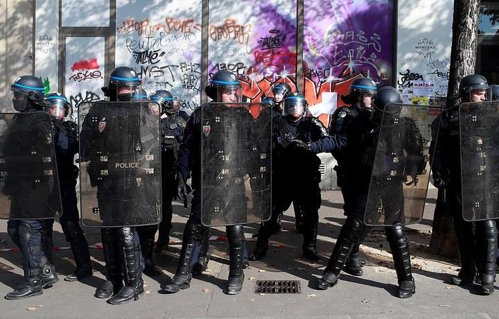 Париж яқинида чечен рэкетчилари қўлга олинди