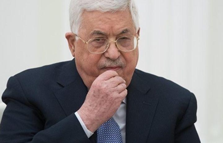 Аббас посетит финал ЧМ-2018 и встретится с Путиным