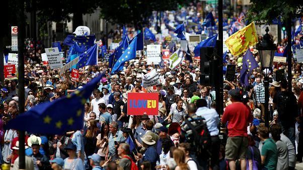 100-тысячный марш против «брексита» (видео)