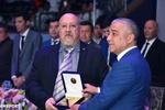 Butunjahon yakka kurashlari va jang san'ati prezidenti Jianni Saritsu Laziz Hasanovga maxsus sertifikatni topshirdi.