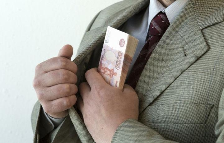 Казаха задержали за попытку дать взятку таможеннику
