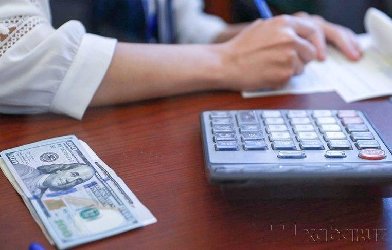 В Узбекистане выросли курсы доллара и евро