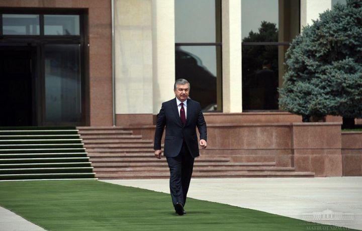 Shavkat Mirziyoyev Moskvaga jo'nab ketdi