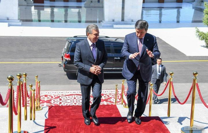 Шавкат Мирзиёев Қирғизистон президенти билан учрашди