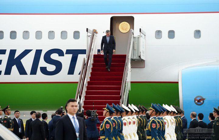 Шавкат Мирзиёев Циндаога етиб борди (фото)