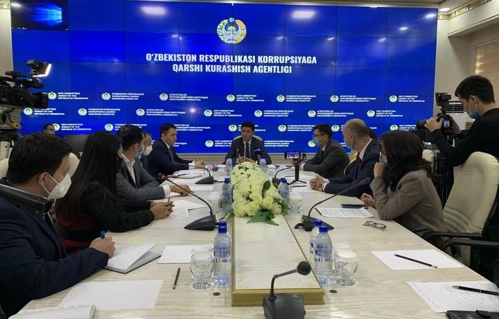 Akmal Burhonov salkam bir soat «nafas olmay» gapirdi