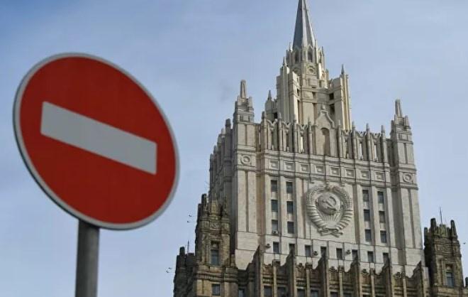 Россия АҚШ разведкаси ва ФҚБ раҳбарига қарши санкциялар жорий қилди