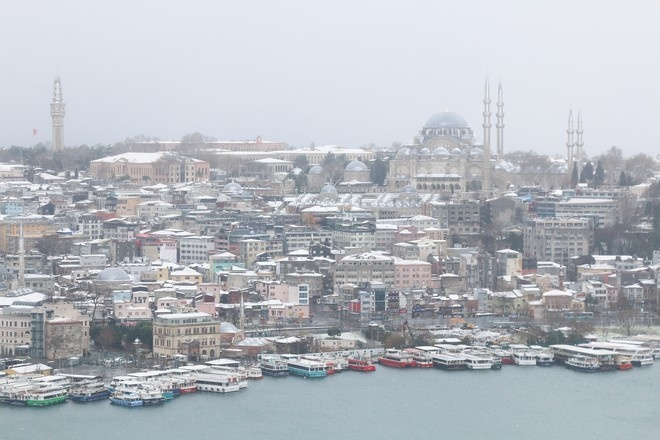 Власти Турции решили смягчить ограничения из-за коронавируса