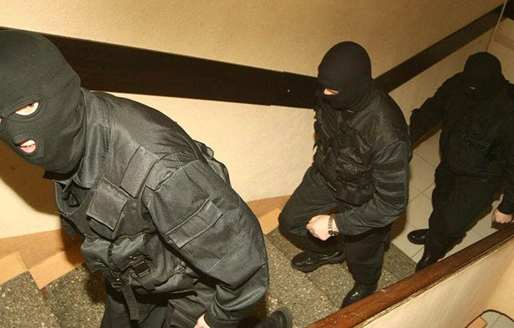 Мужчина попытался застрелить следователя во время обыска