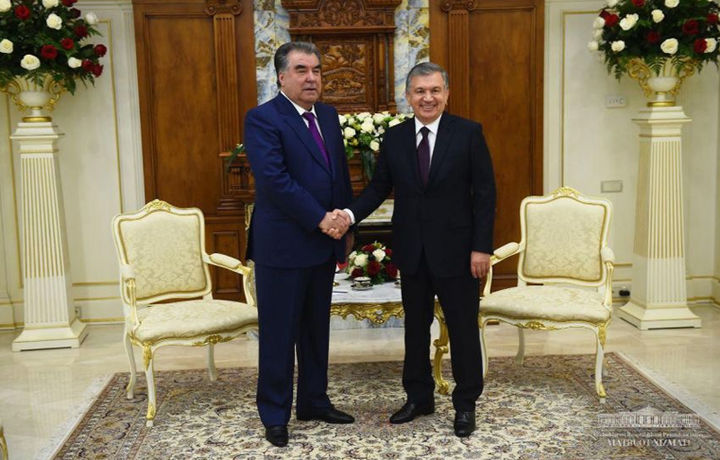 Шавкат Мирзиёев ва Имомали Раҳмон Остонада учрашди