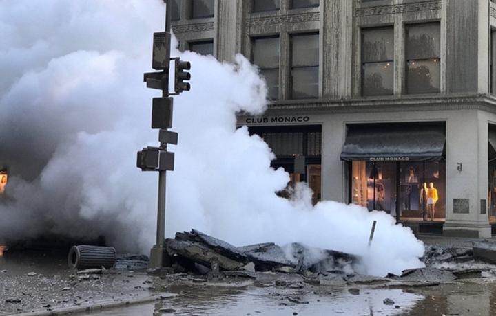 В Нью-Йорке прогремел мощный взрыв (фото+видео)