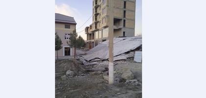 В Джизаке обрушилась часть 6-этажного строящегося дома