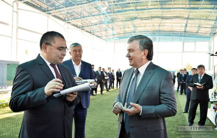 Prezident: «Odamlar hozirgidek daromadi bilan ham to'q, farovon yashashiga imkon bo'lsin» (foto)