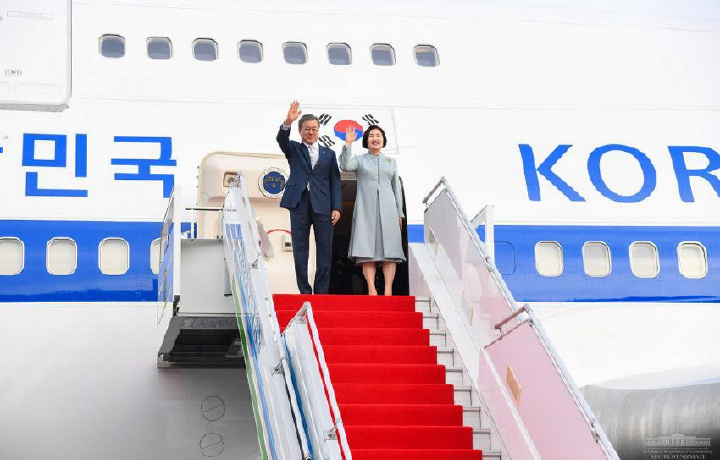 Жанубий Корея президенти Тошкентга келди