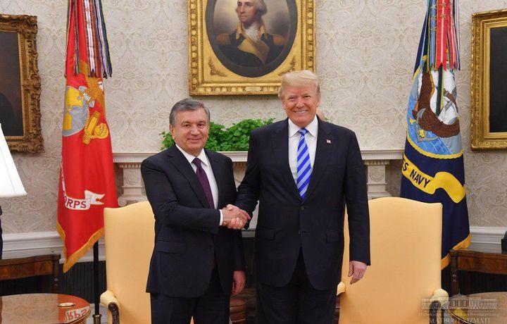Шавкат Мирзиёев Дональд Трампни табриклади