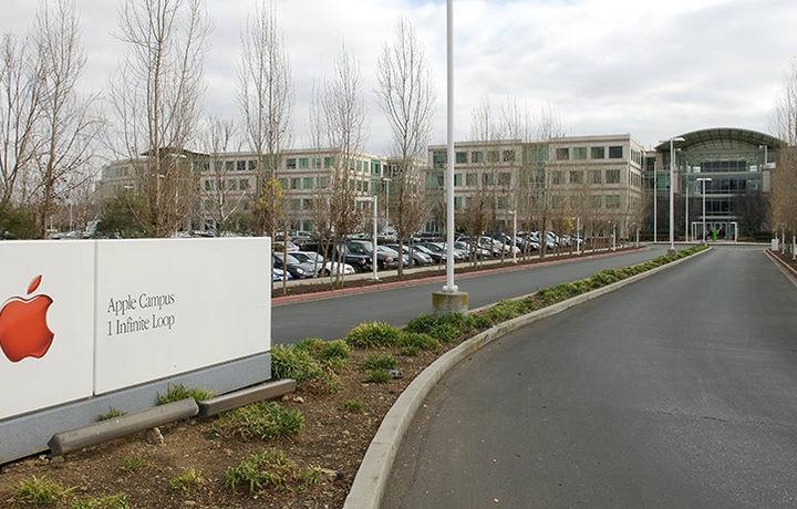 Apple переманила у Илона Маска десятки работников