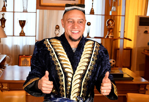 Роберто Карлос мастер-класс намойиш қилди (фото)