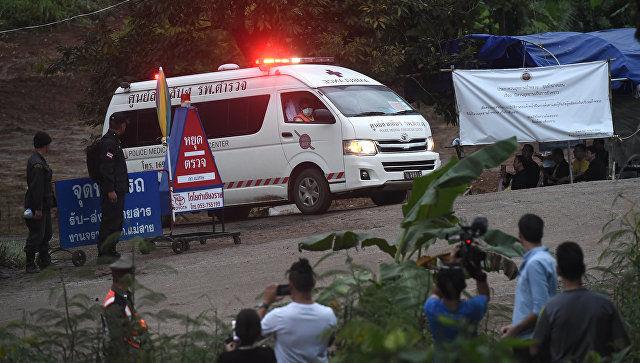 Опубликованы первые кадры спасения детей из пещеры в Таиланде (видео)