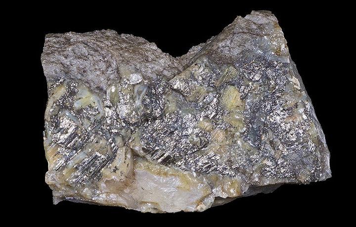 Учёные раскрыли загадки минерала калаверита