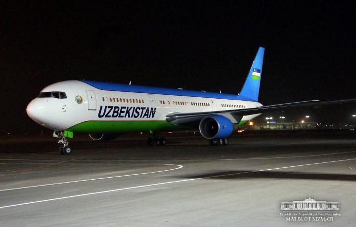 Prezident Xorazm viloyatiga safarini yakunlab, Toshkentga keldi