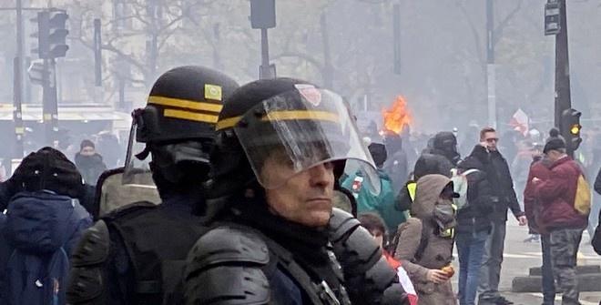 Более 260 участников акций «жёлтых жилетов» задержаны во Франции